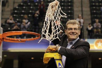 UConn coach Geno Auriemma hospitalized