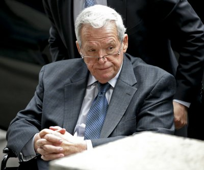Wrestling Hall of Fame removes Dennis Hastert honors after sentencing