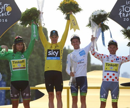Tour de France: Chris Froome wins third title