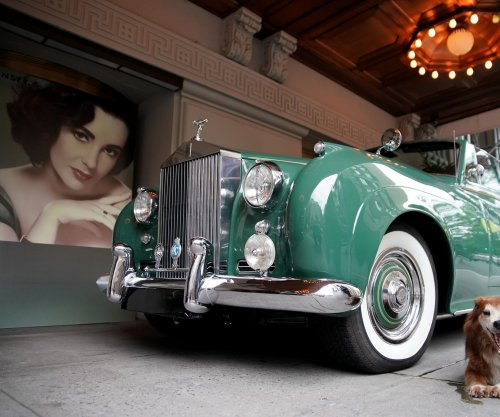 Elizabeth Taylor's iconic green Rolls Royce heads to auction