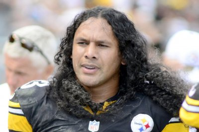 First-year nominees Troy Polamalu, Patrick Willis, Reggie Wayne among HOF semifinalists