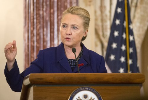 Clinton gets welcome-back helmet