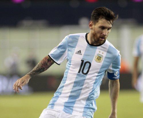 Argentina blitzes U.S. team to reach Copa final