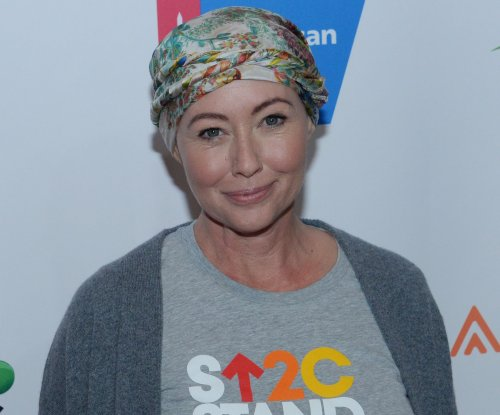 Shannen Doherty undergoes reconstructive surgery after mastectomy