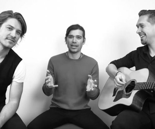 Hanson preview new song after announcing tour