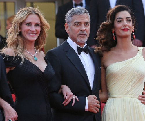 Julia Roberts says she gave George Clooney parenting advice