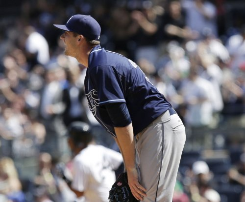 Chicago Cubs sign rehabbing pitcher Drew Smyly
