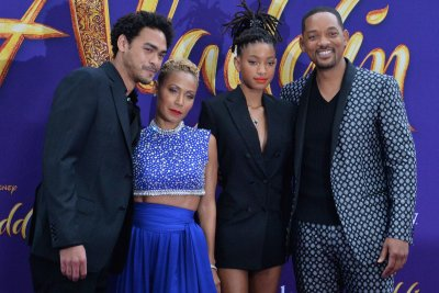 Look:-Will-Smith-attends-'Aladdin'-premiere-with-wife-Jada-Pinkett-Smith,-kids
