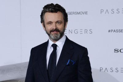 'Good Omens' star Michael Sheen expecting child with girlfriend