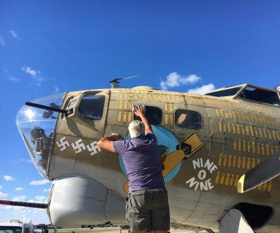 B-17 bomber landed 500 feet short of runway before deadly crash