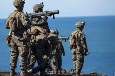 海军滴3名海豹突击队挂埃迪·加拉格尔审查
