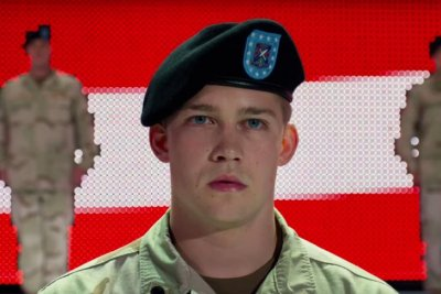 Ang Lee's 'Billy Lynn's Long Halftime Walk' first trailer released