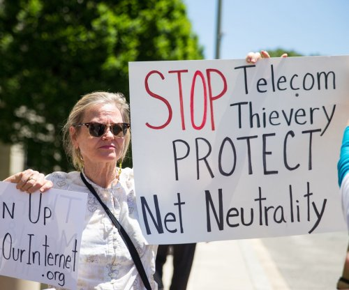 FCC moves forward with plan to scrap net neutrality protections