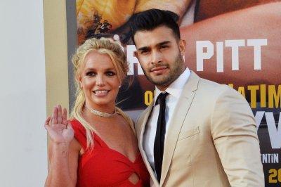 Britney Spears announces engagement to boyfriend, Sam Asghari