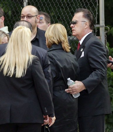 James Gandolfini's 'Sopranos' family attends his funeral