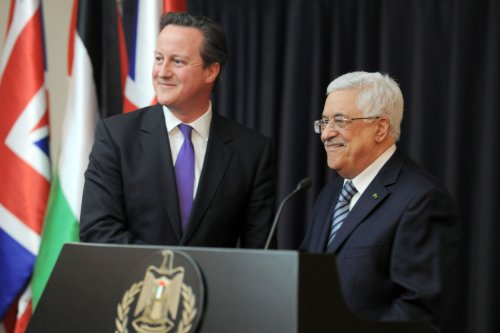 Netanyahu to Cameron: Abbas must condemn random rocket fire on Israel