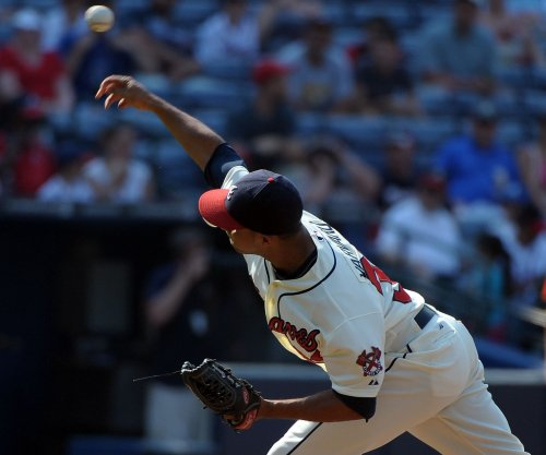 Boston Red Sox acquire Varvaro from Atlanta Braves