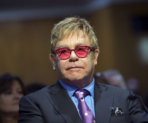 Elton John slams Janet Jackson for lip-synching