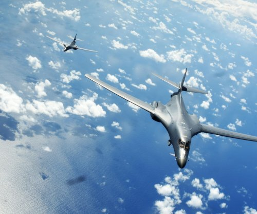 U.S. B-1B bombers train with South Korea fighter jets