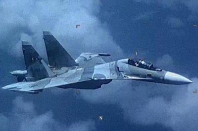 SOUTHCOM: Venezuelan fighter jet 'aggressively shadowed' U.S. aircraft