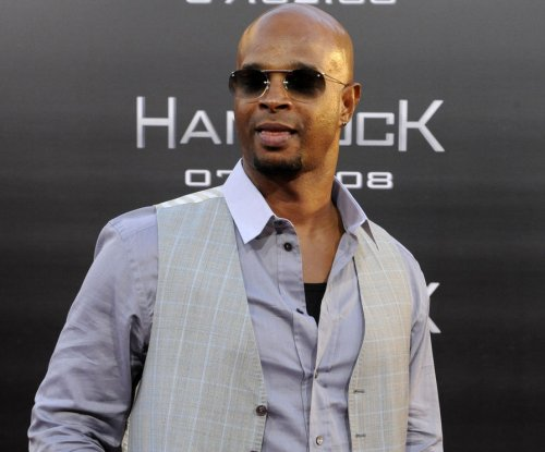 Damon Wayans Sr. accuses critics of 'twisting' his words after Bill Cosby rape comments