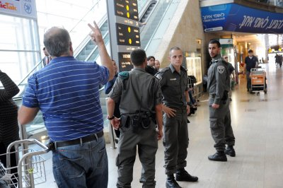 U.S. student held at Israel airport, accused of aiding boycott group