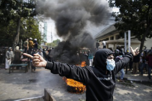 6 dead, 200 injured in Jakarta protests against presidential election results