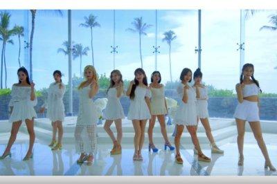 Twice dances in new 'Happy Happy' music video
