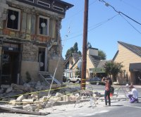 Magnitude 4 earthquake rates may forecast larger future earthquakes