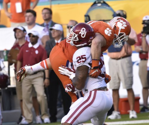 Former Oklahoma Sooners RB Joe Mixon reaches civil settlement in punching incident