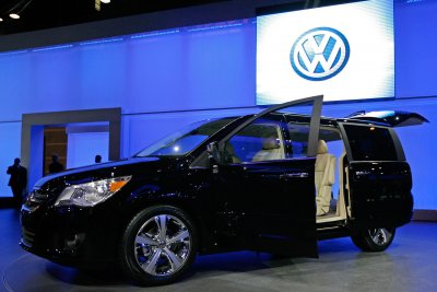 Court: Former VW executive to plead guilty in emissions scandal