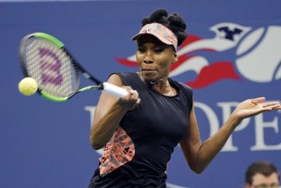 WTA Finals: Venus Williams, Carolina Wozniacki to meet for title