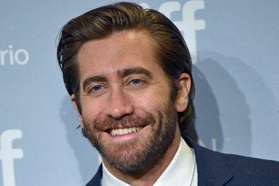 Jake Gyllenhaal, James Corden sing 'Greatest Gyllenhaal of All'