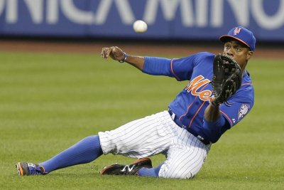 Surging New York Mets rout Miami Marlins