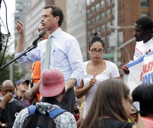 Prosecutors investigating alleged Anthony Weiner sexts with 15-year-old