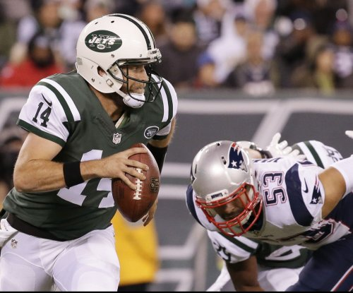 New York Jets stick with Ryan Fitzpatrick at QB for another week