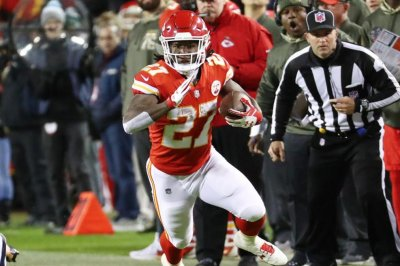 Monday Night Football: Kansas City Chiefs win ugly vs. Denver Broncos