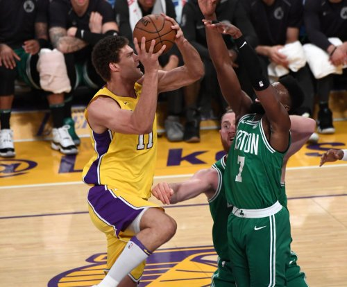 Los Angeles Lakers center Brook Lopez comes back to Brooklyn to face Nets
