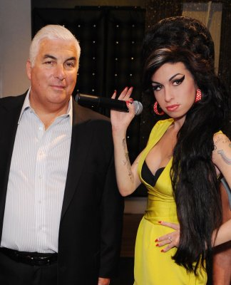 Amy Winehouse's dad to pen memoir