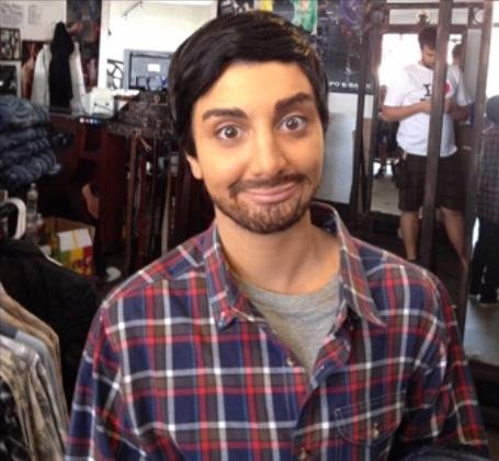 Watch: Nasim Pedrad shows off uncanny Aziz Ansari impression in unaired SNL sketch