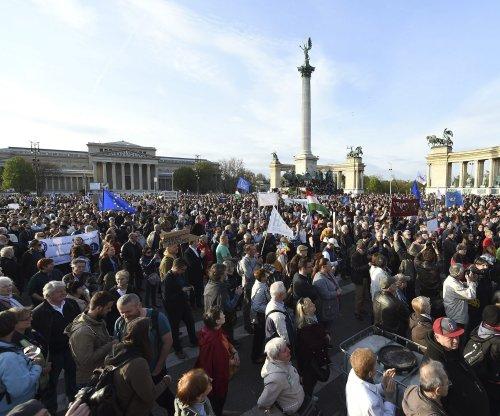 EU investigates Hungary for anti-immigration legislation
