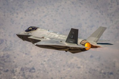 United Technologies contracted for F-35 engine production tooling