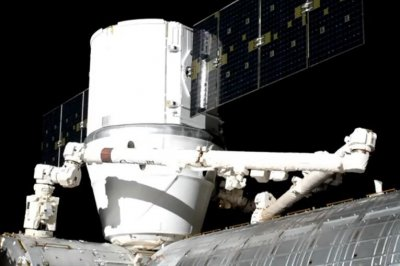 SpaceX's Dragon capsule docks with International Space Station