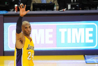 Los Angeles Lakers' Kobe Bryant scores 60 in swan song