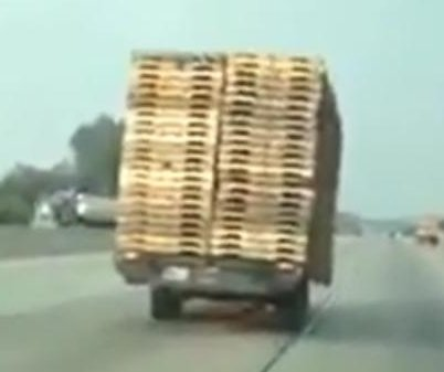 Trailer rolls down California highway sans truck