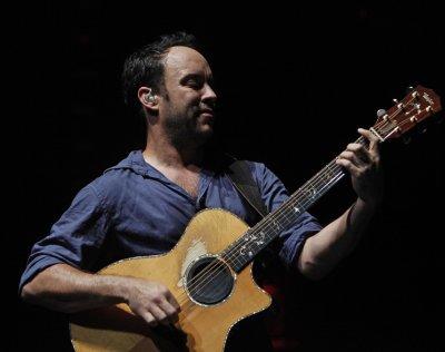 Dave Matthews booked to perform at CMAs
