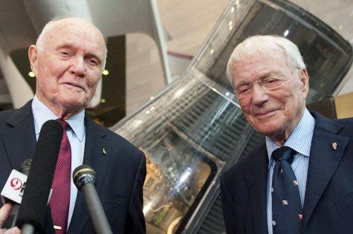 Scott Carpenter, second American to go into orbit, dies at 80