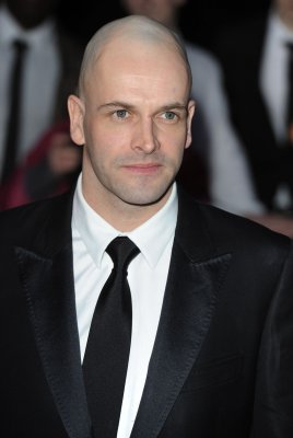 Jonny Lee Miller to play Sherlock on CBS