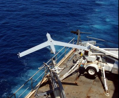 Australian Navy flight tests its ScanEagles