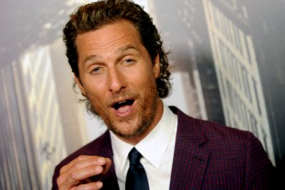 McConaughey takes out full-page ad for Super Bowl MVP Foles